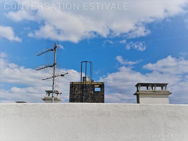 058-conversation-estivale